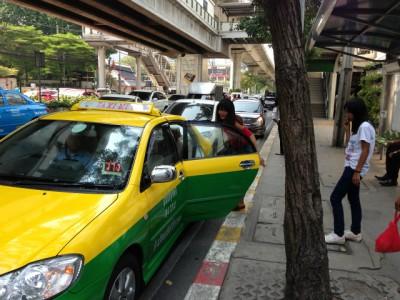 タイのタクシーのぼったくりの防止の為に