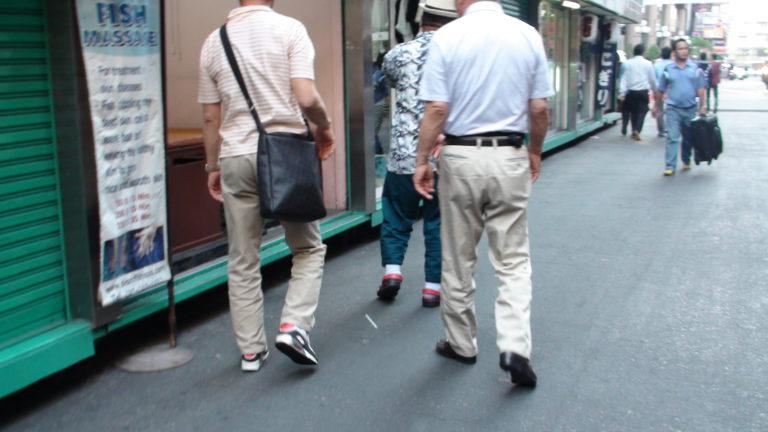 日本人高齢者を狙う詐欺
